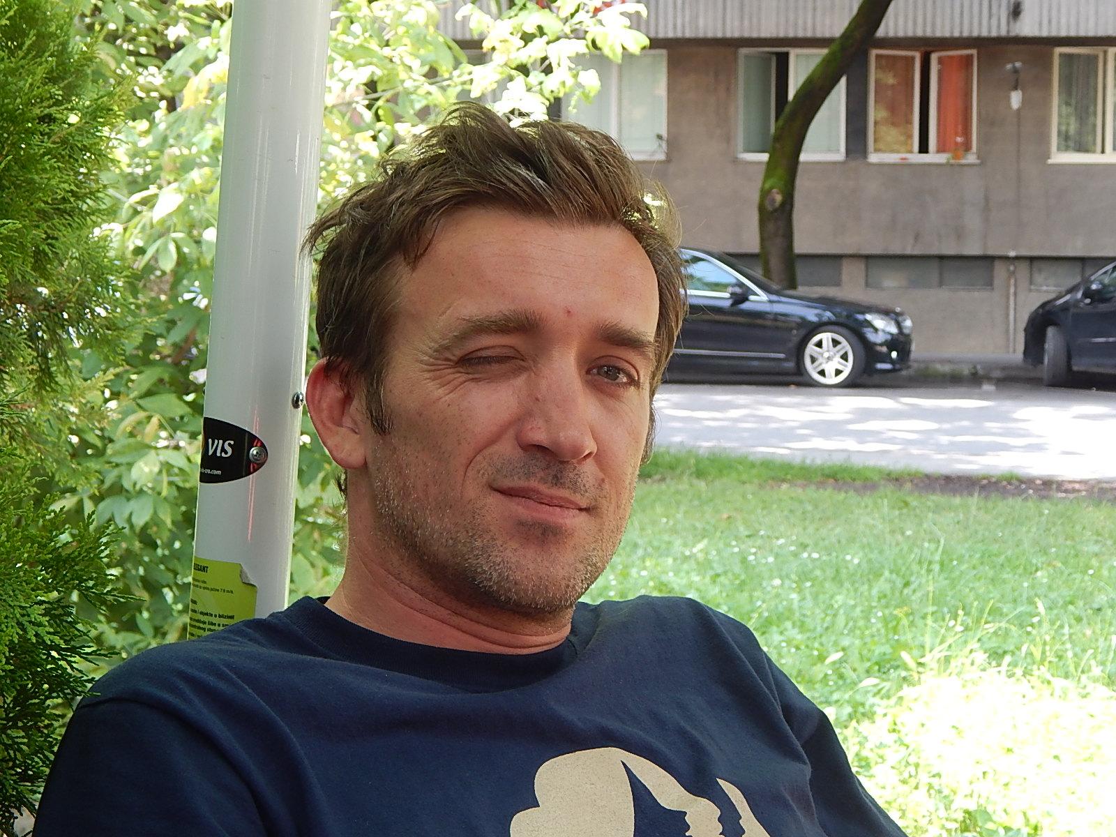 Slikar i konceptualni umjetnik Nikola Vukmanić. Foto: Marin Bakić