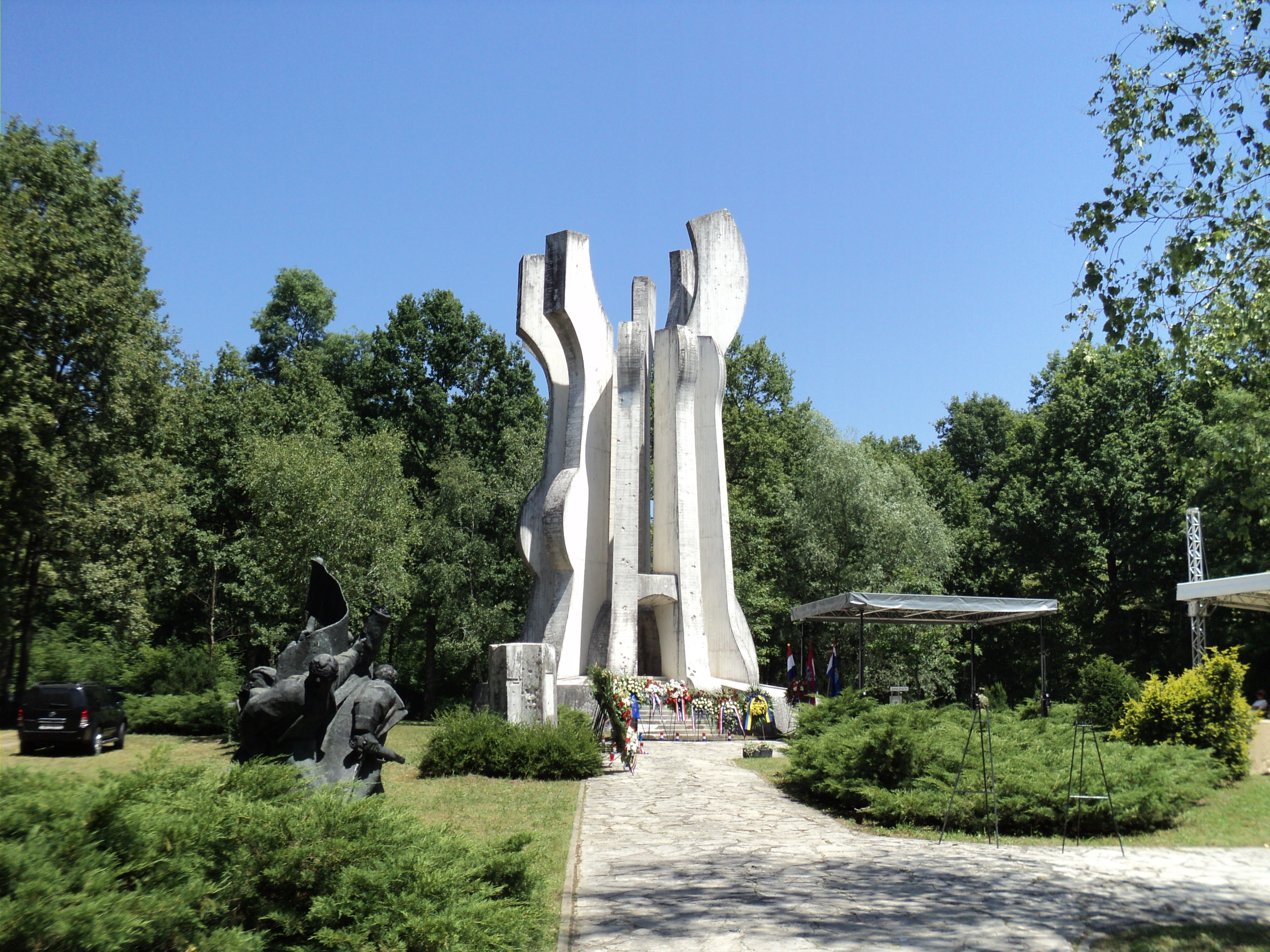 Spomen park Brezovica. Izvor: https://hr.wikipedia.org/wiki/Spomen-park_Brezovica