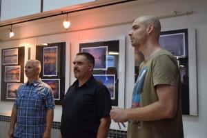 Denis Stošić, Oliver Švob i Miroslav Katić, otvorenje izložbe Olivera Švoba u Knjižnici za mlade 15. lipnja 2015. Foto: Knjižnica za mlade