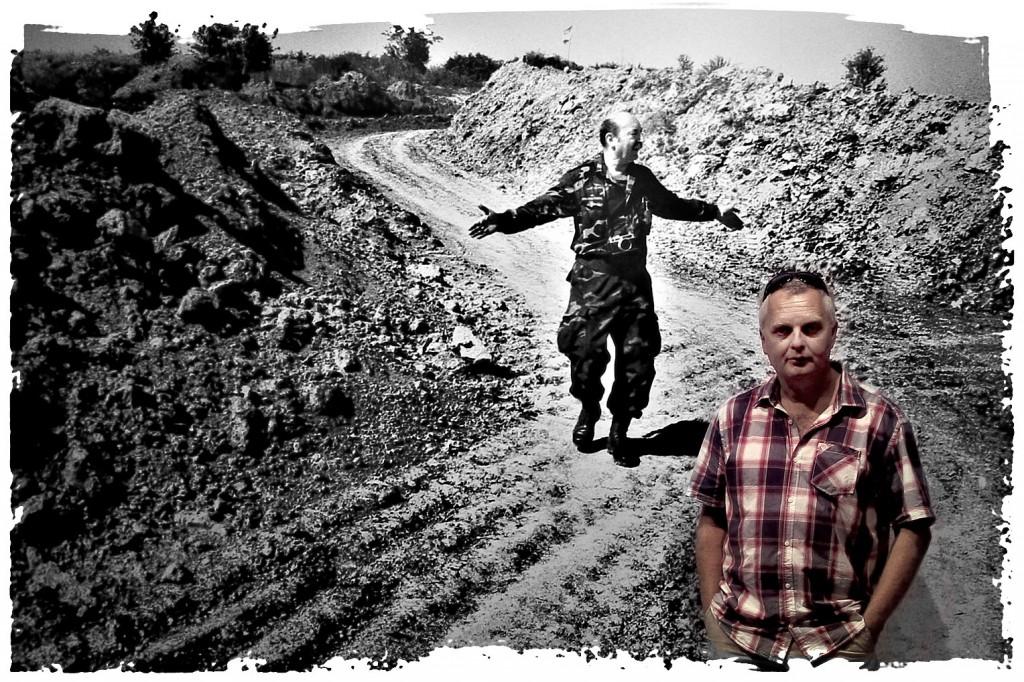 Dinko Neskusil. U pozadini snimak Velimira Franića. Foto: Kafotka