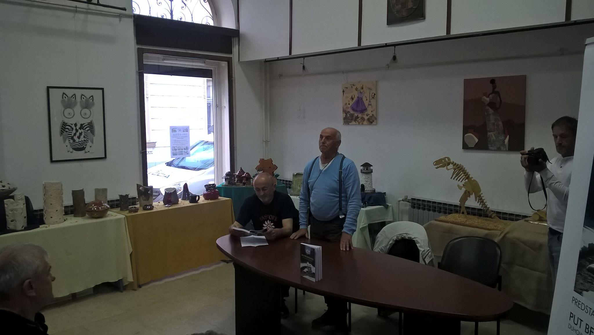 """Promocija knjige Luke Hodaka """"Put bez povratka"""" u Knjižnici za mlade u Karlovcu 18. 5. 2016. Foto: Miroslav Katić"""