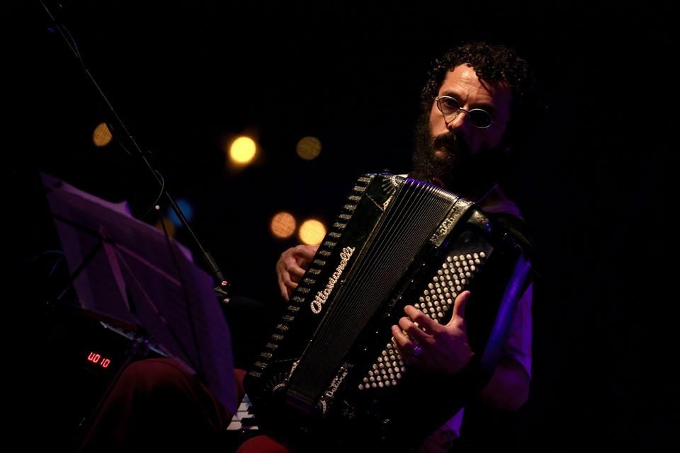 Simone Zanchini otvara 10. međunarodni etno-jazz festival Karlovac. Foto: Aleksandar Resanović Izvor: Međunarodni etno-jazz festival.