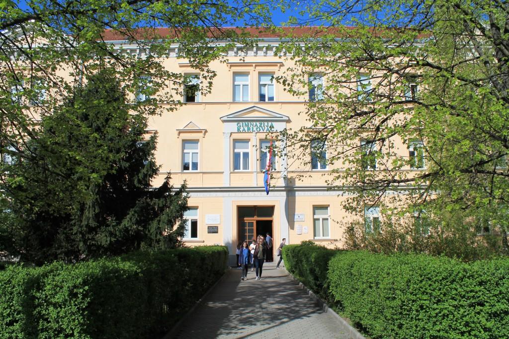 Gimnaziija Karlovac. Izvor: www.gimnazija-karlovac.hr