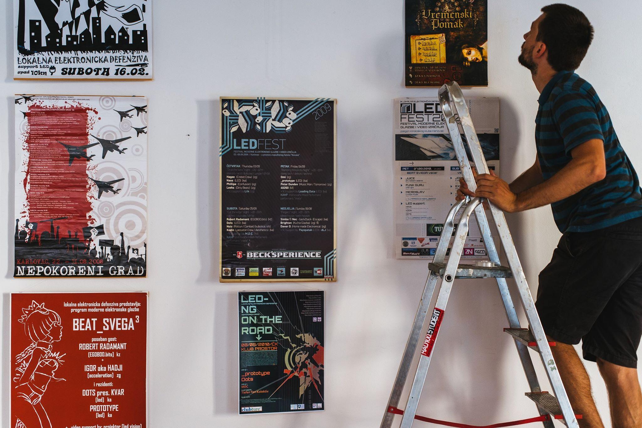 U Galeriji Zilik u Karlovcu otvorna izložba o 10 godina festivala LED. Foto: Anamarija Podrebarac