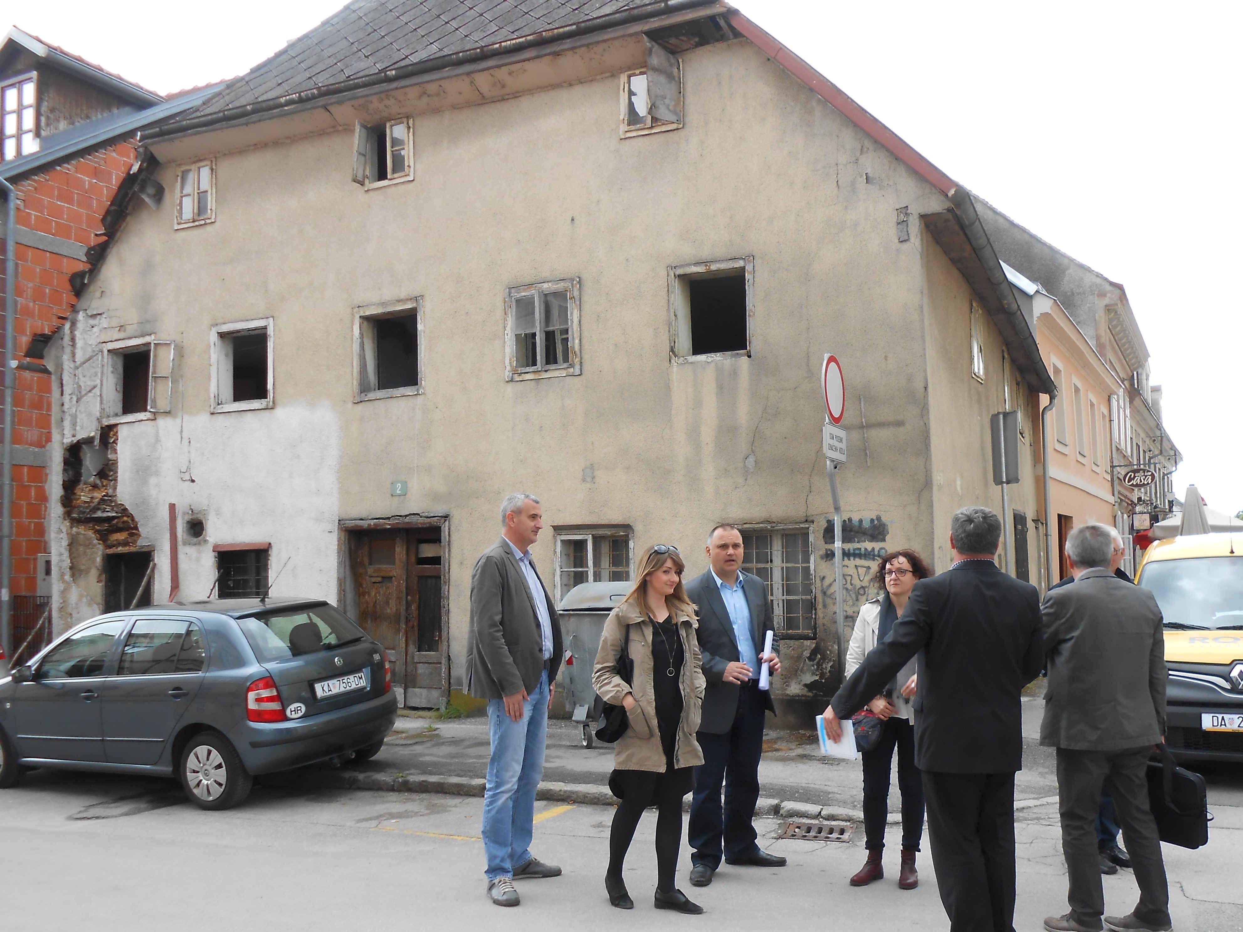 Kuća na adresi Šimunićeva 2, Karlovac. HDZ, Damir Mandić, Damir Jelić. Izvor: Kaportal