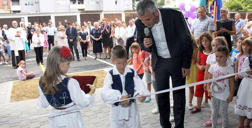 Karlovac, 1. 9. 2017., otvorenje rekonstruiranog vrtića Rakovac, Damir Mandić, gradonačelnik Karlovca. Izvor: Grad Karlovac