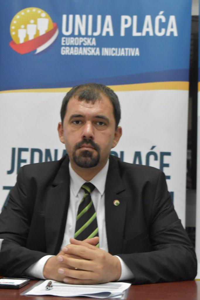 U Knjižnici za mlade u Karlovcu 11. listopada 2017. godine predstavljena građanska inicijativa Unija plaća. István Szávay Foto: Marin Bakić.