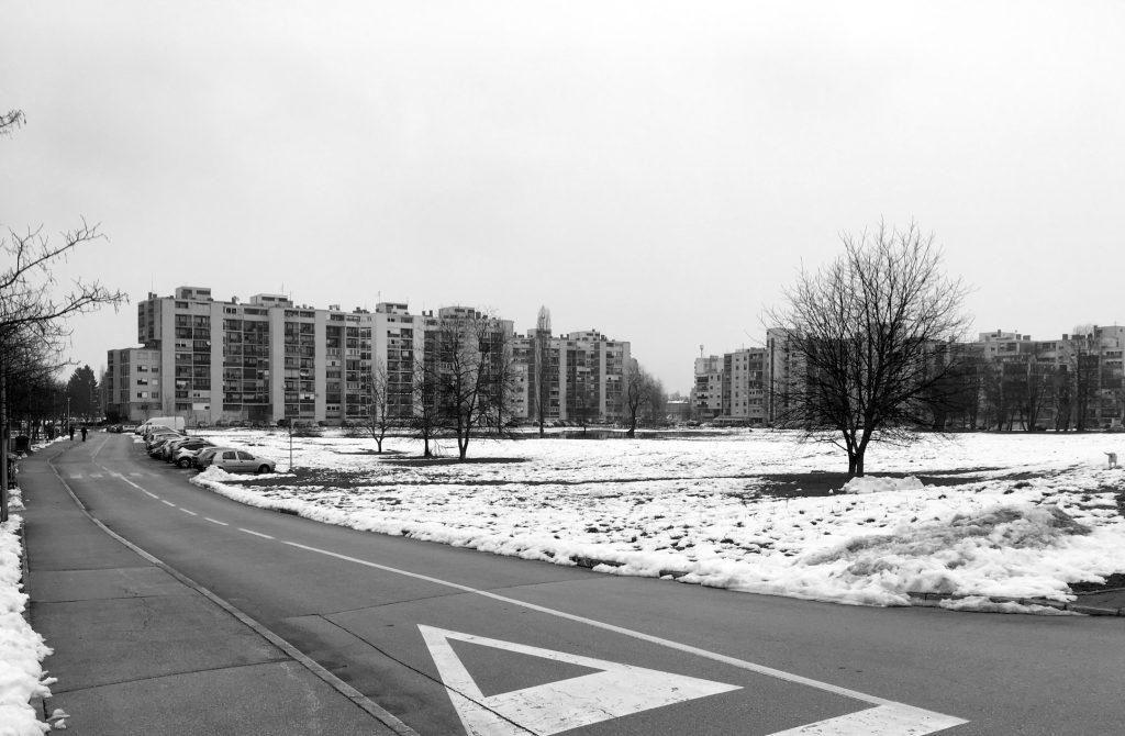 Neizgrađeni (nerealizirani) središnji dio naselja Grabrik.