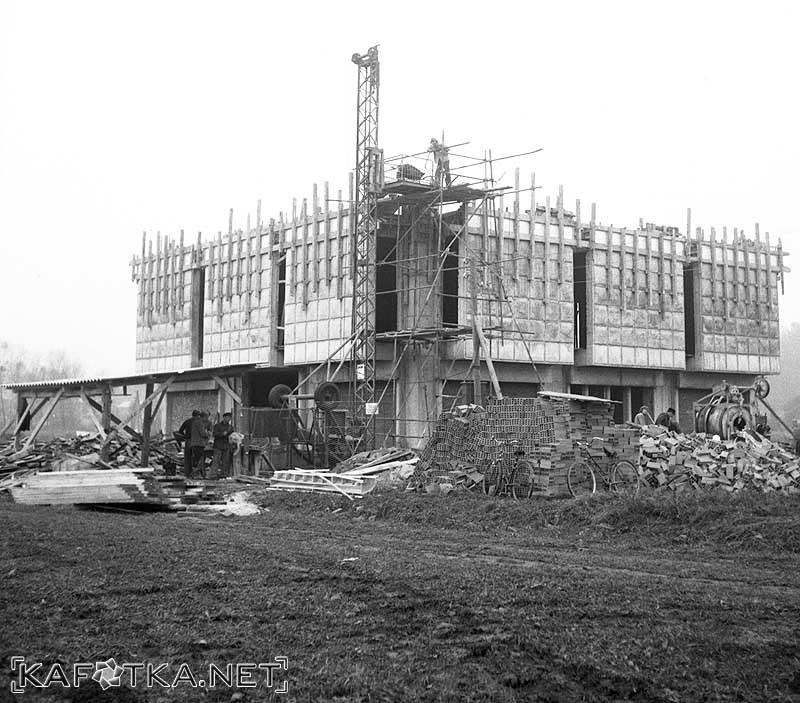 Izgradnja zgrade Galerije i način izvedbe detalja pročelja u vidljivom betonu