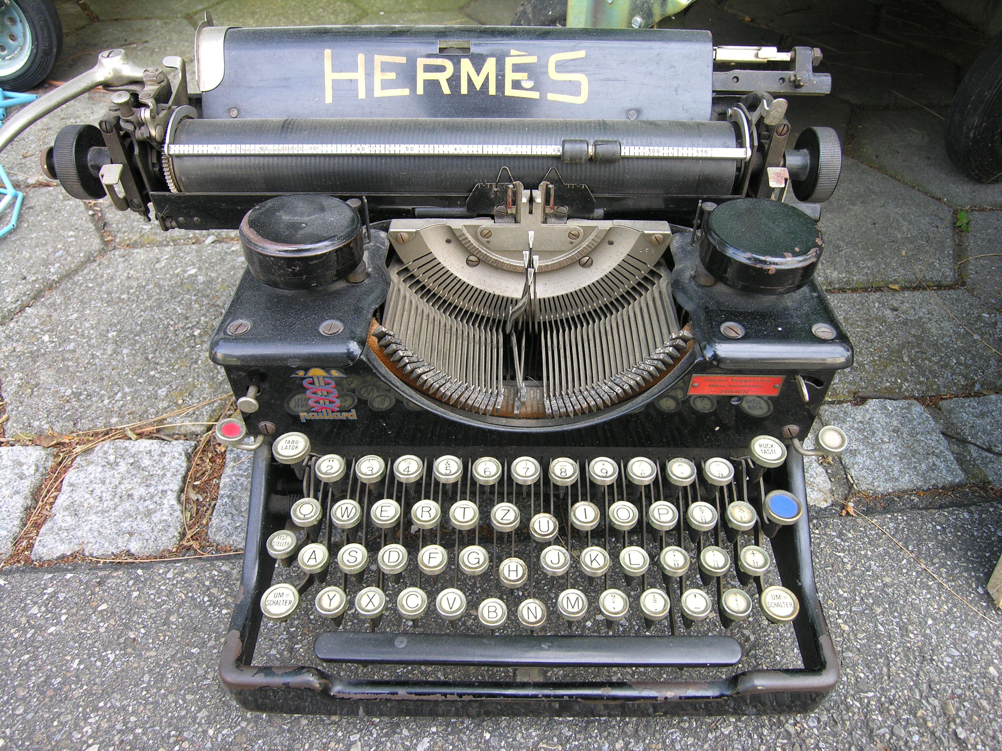 http://upload.wikimedia.org/wikipedia/commons/7/75/TypewriterHermes.jpg